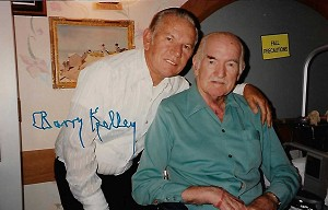 Barry Kelly, 1908-1991, Candid Autographed Photo (4x6)